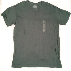 Gap men's v-neck t-shirt green new with tags med.